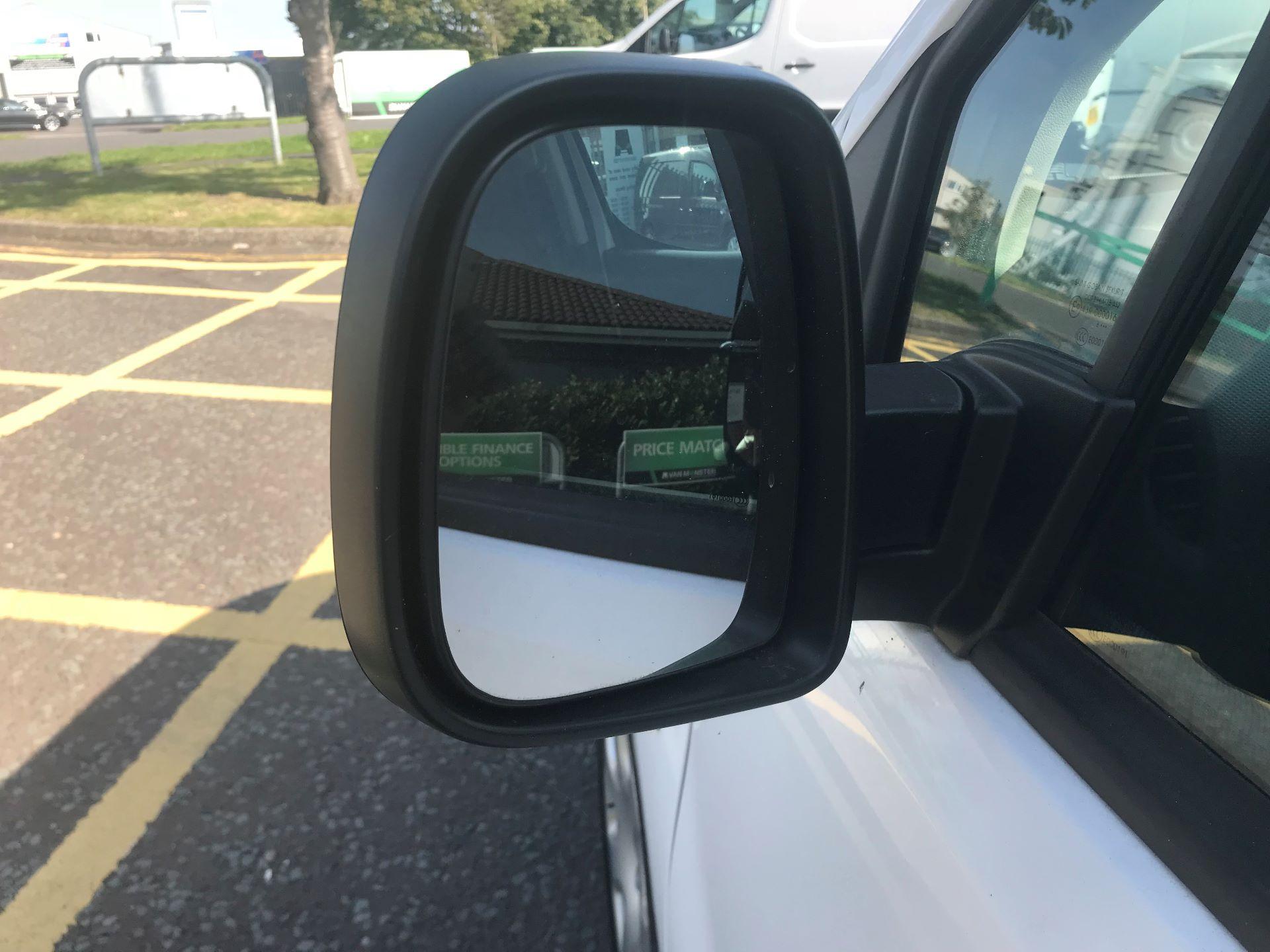 2017 Peugeot Partner 850 1.6 Bluehdi 100 Professional Van [Non Ss] (NV66XLO) Image 15