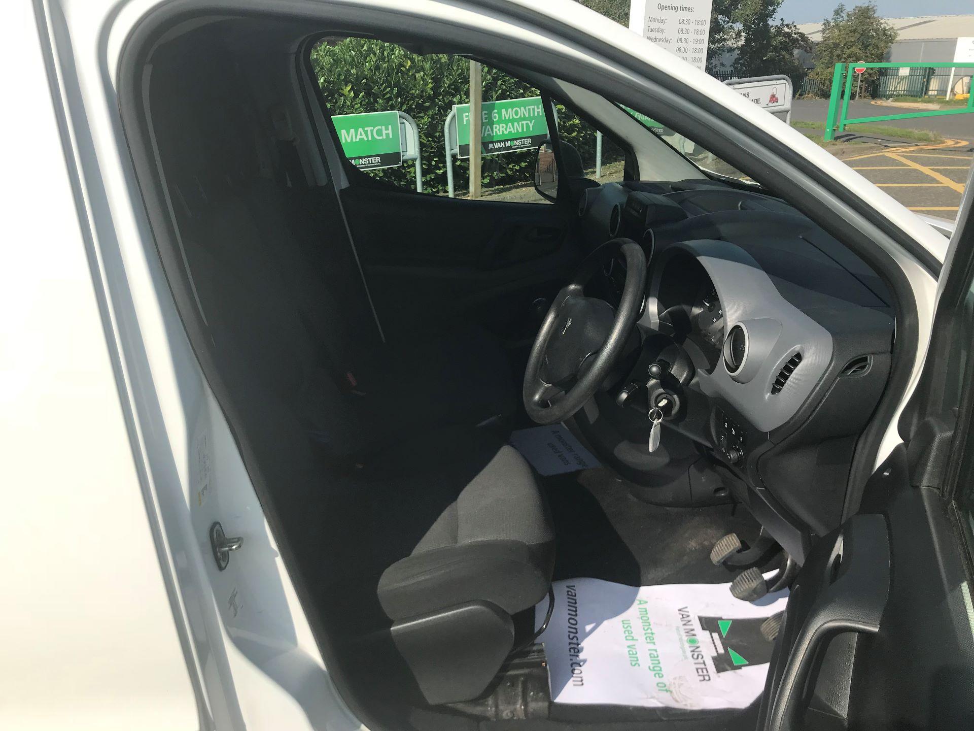 2017 Peugeot Partner 850 1.6 Bluehdi 100 Professional Van [Non Ss] (NV66XLO) Image 12