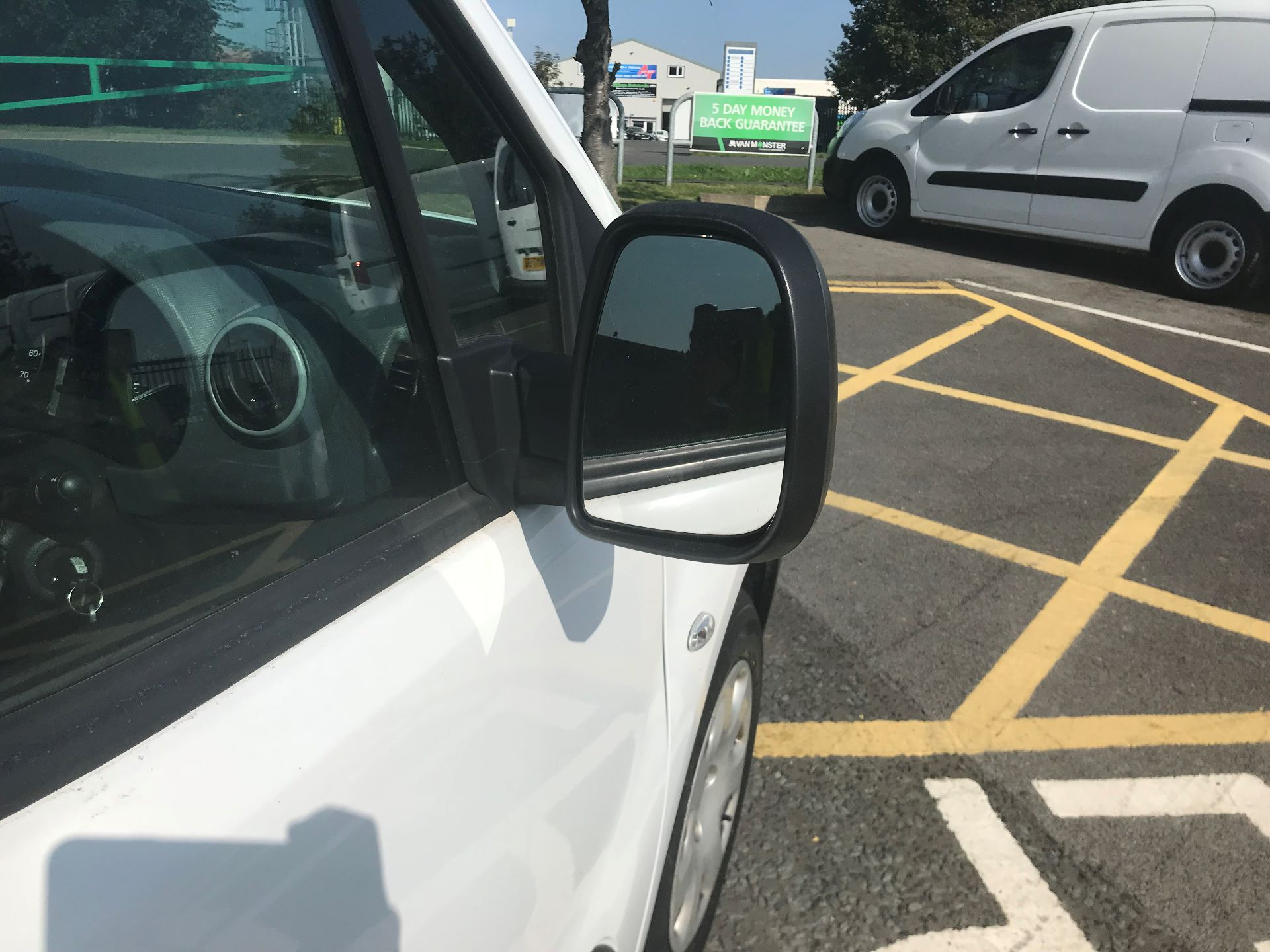 2017 Peugeot Partner 850 1.6 Bluehdi 100 Professional Van [Non Ss] (NV66XLO) Image 10