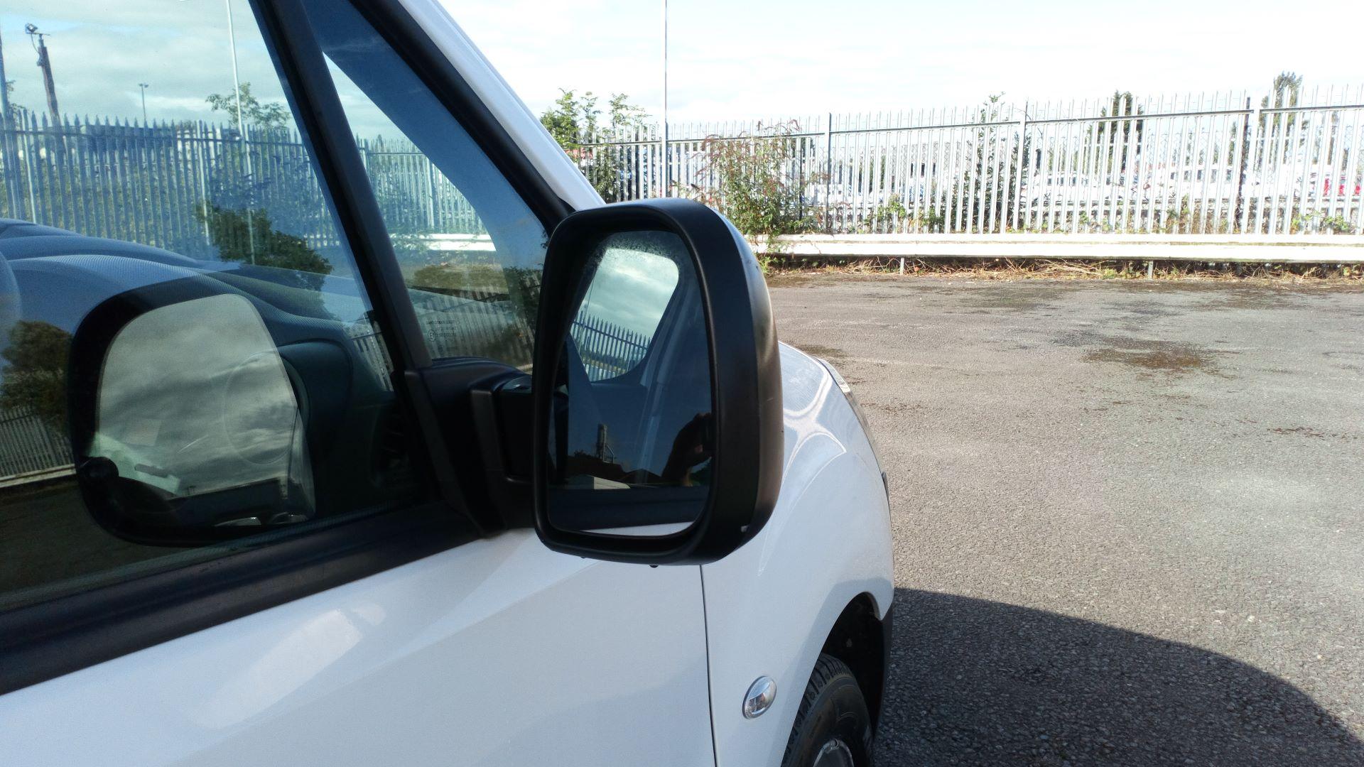 2017 Peugeot Partner 850 S 1.6 Bluehdi 100 Van [Sld] (NV66XMR) Image 12