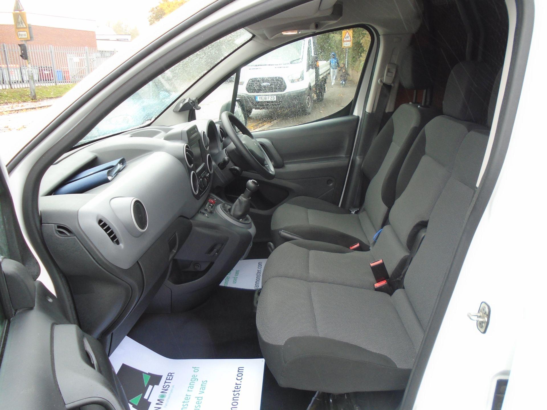 2017 Peugeot Partner 850 1.6 Bluehdi 100 Professional Van [Non Ss] (NV66XUK) Image 16