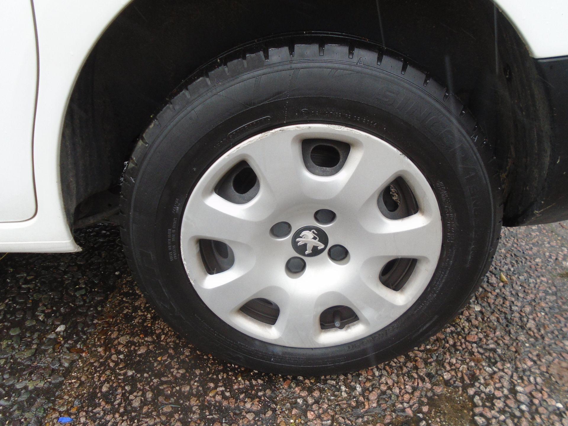 2017 Peugeot Partner 850 1.6 Bluehdi 100 Professional Van [Non Ss] (NV66XUK) Image 12