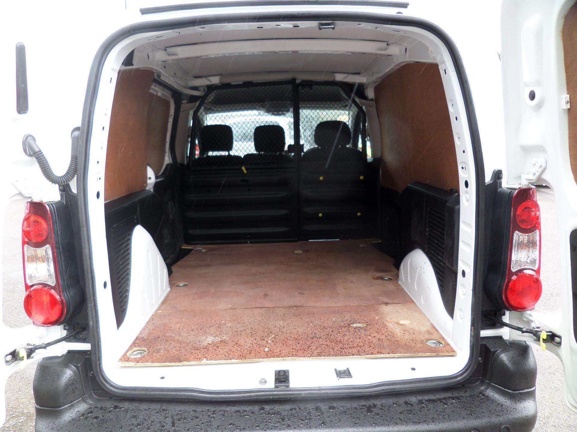 2017 Peugeot Partner 850 1.6 Bluehdi 100 Professional Van [Non Ss] Euuro 6 (NV66XZS) Image 5