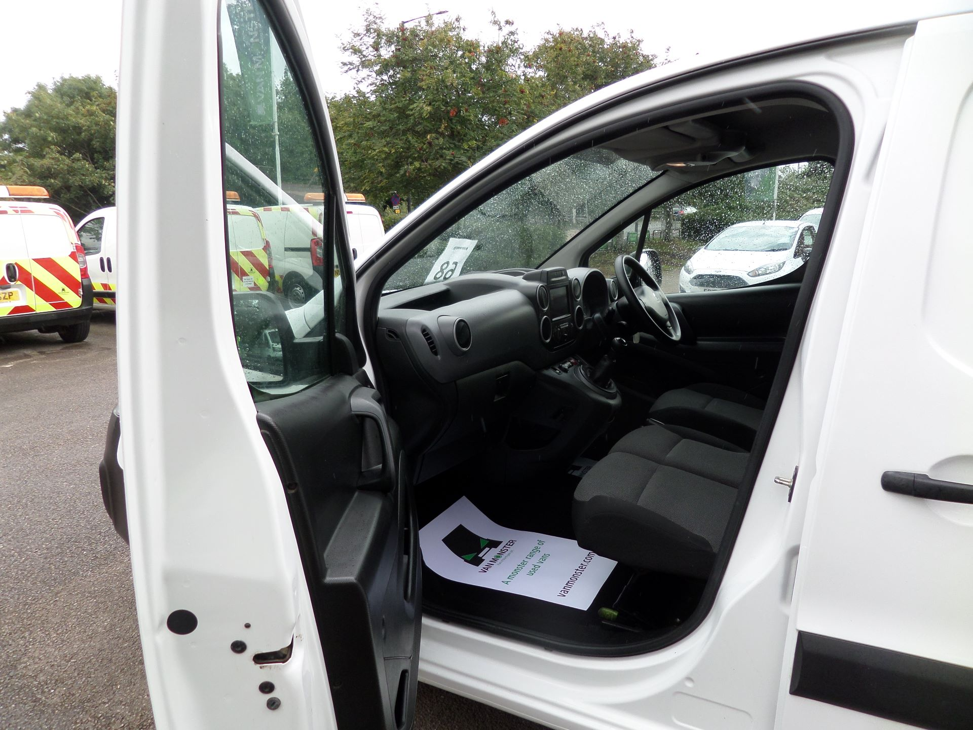 2017 Peugeot Partner 850 1.6 Bluehdi 100 Professional Van [Non Ss] Euuro 6 (NV66XZS) Image 8