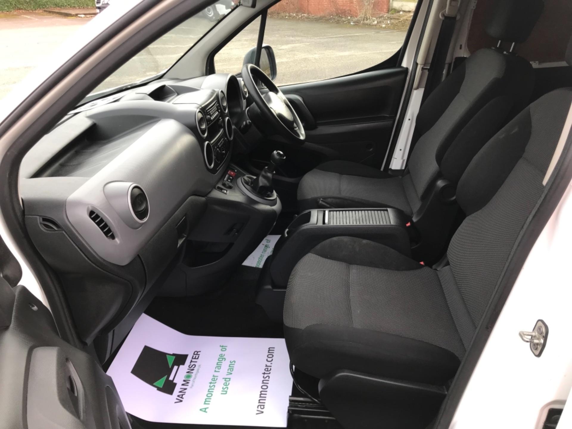 2017 Peugeot Partner  L2 715 S 1.6 BLUEHDI 100 CREW VAN EURO 6 (NV67AAK) Image 26