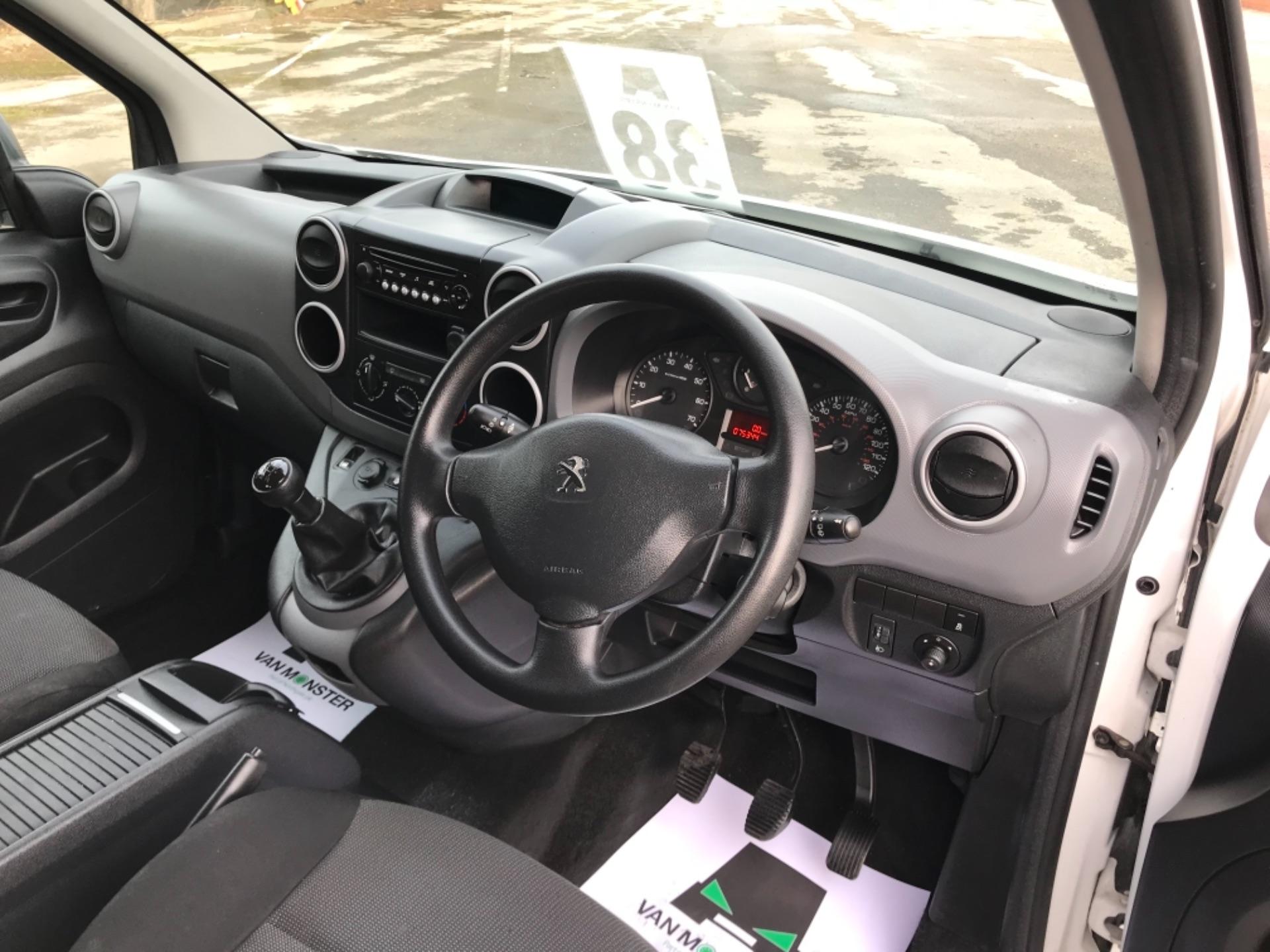 2017 Peugeot Partner  L2 715 S 1.6 BLUEHDI 100 CREW VAN EURO 6 (NV67AAK) Image 11