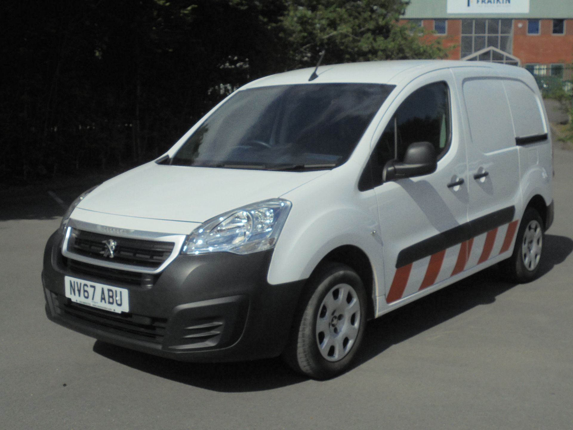 2017 Peugeot Partner 850 1.6 Bluehdi 100 Professional Van [Non Ss] (NV67ABU) Image 3
