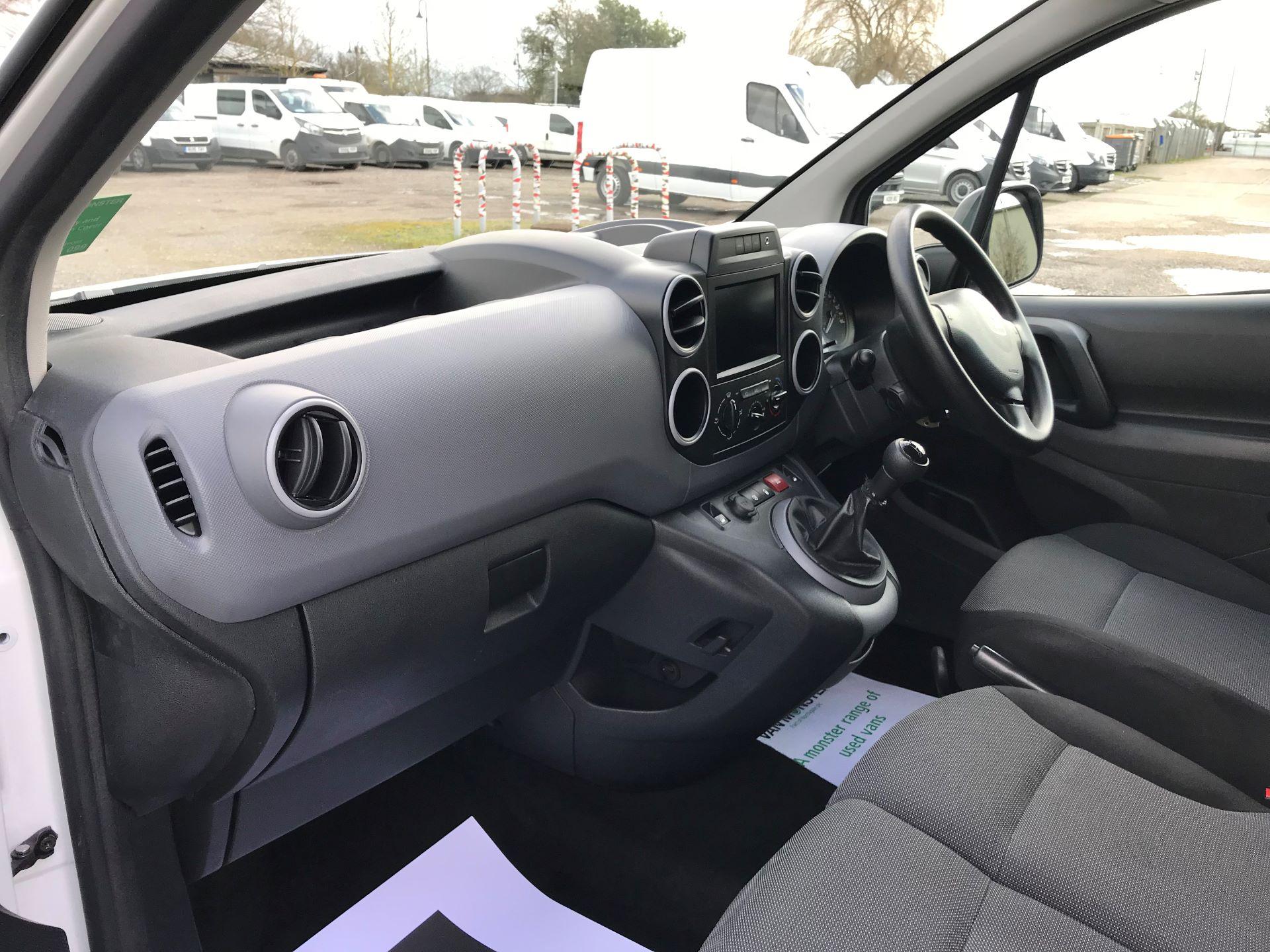 2017 Peugeot Partner L1 850 1.6 BLUEHDI 100 PROFESSIONAL (NON S/S)EURO 6 (NV67BWJ) Image 12