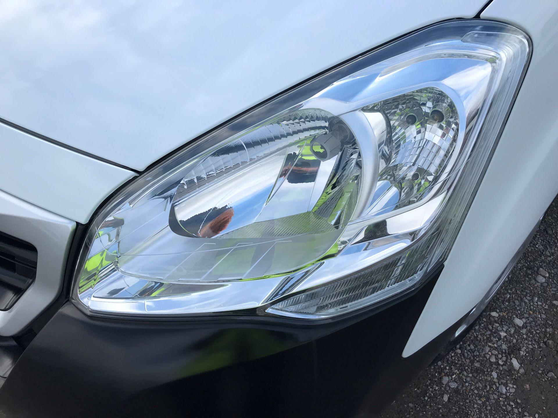 2017 Peugeot Partner L1 850 1.6 BLUEHDI 100 PROFESSIONAL (NON S/S)EURO 6 (NV67BWJ) Image 26