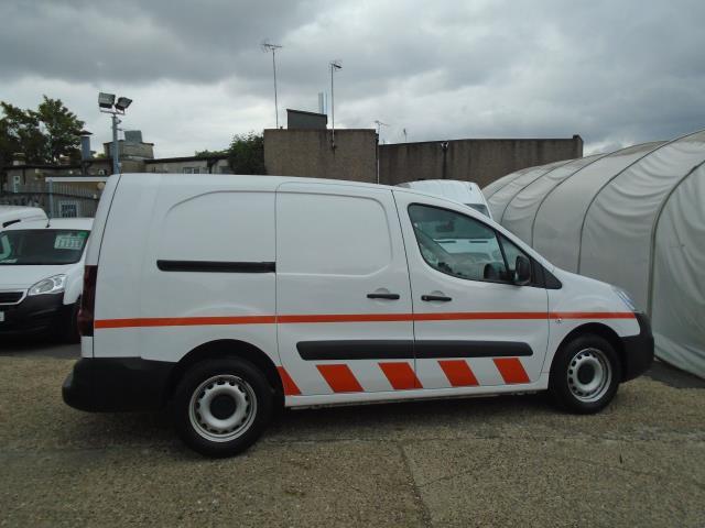 2017 Peugeot Partner 715 S 1.6 Bluehdi 100 Crew Van *EURO 6* (NV67BXE) Image 8