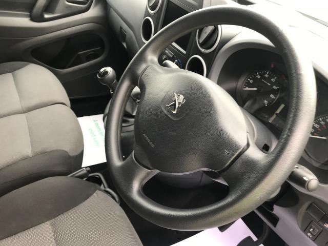2017 Peugeot Partner L1 850 1.6 BLUEHDI 100 PROFESSIONAL (NON S/S)EURO 6 (NV67CLJ) Image 26