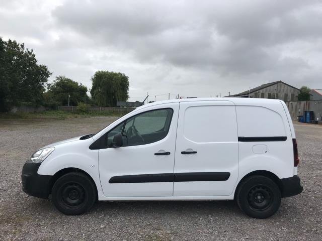 2017 Peugeot Partner L1 850 1.6 BLUEHDI 100 PROFESSIONAL (NON S/S)EURO 6 (NV67CLJ) Image 8