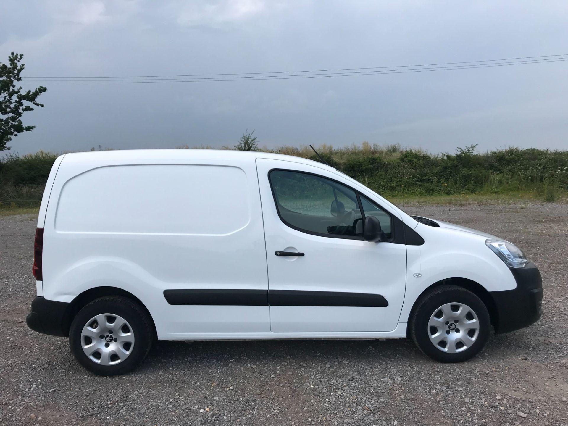 2017 Peugeot Partner 850 1.6 Bluehdi 100 Professional Van [Non Ss] EURO 6 (NV67EUX) Image 7