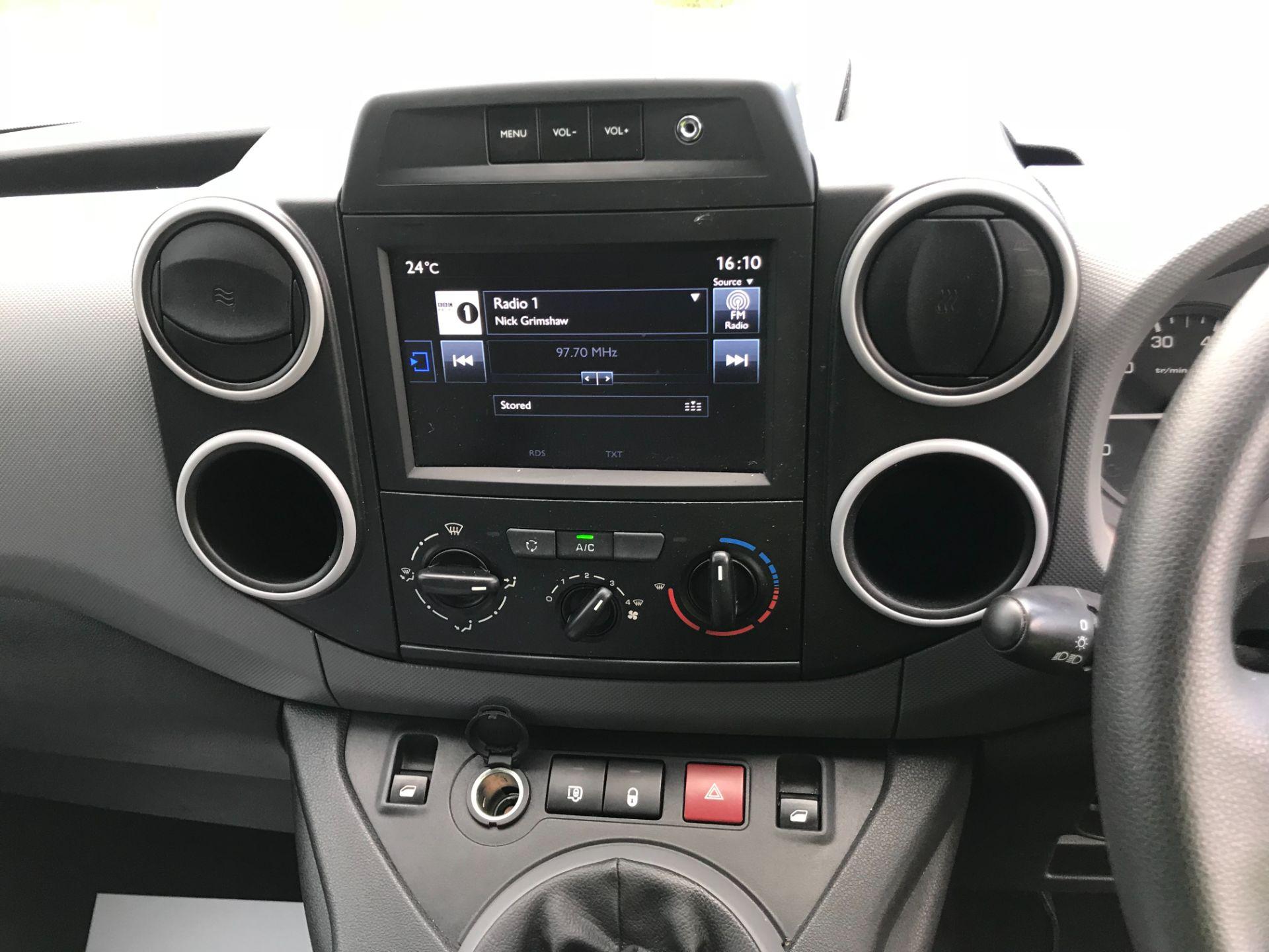 2017 Peugeot Partner 850 1.6 Bluehdi 100 Professional Van [Non Ss] EURO 6 (NV67EUX) Image 25