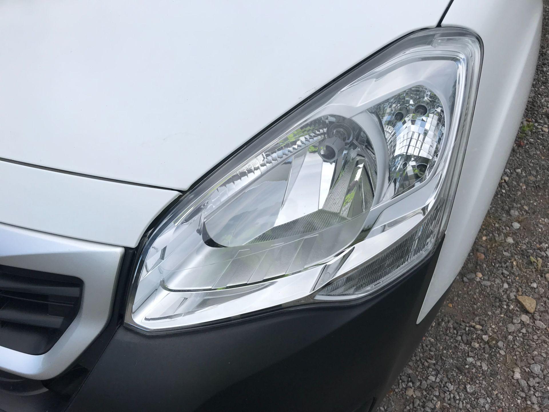 2017 Peugeot Partner 850 1.6 Bluehdi 100 Professional Van [Non Ss] EURO 6 (NV67EUX) Image 38