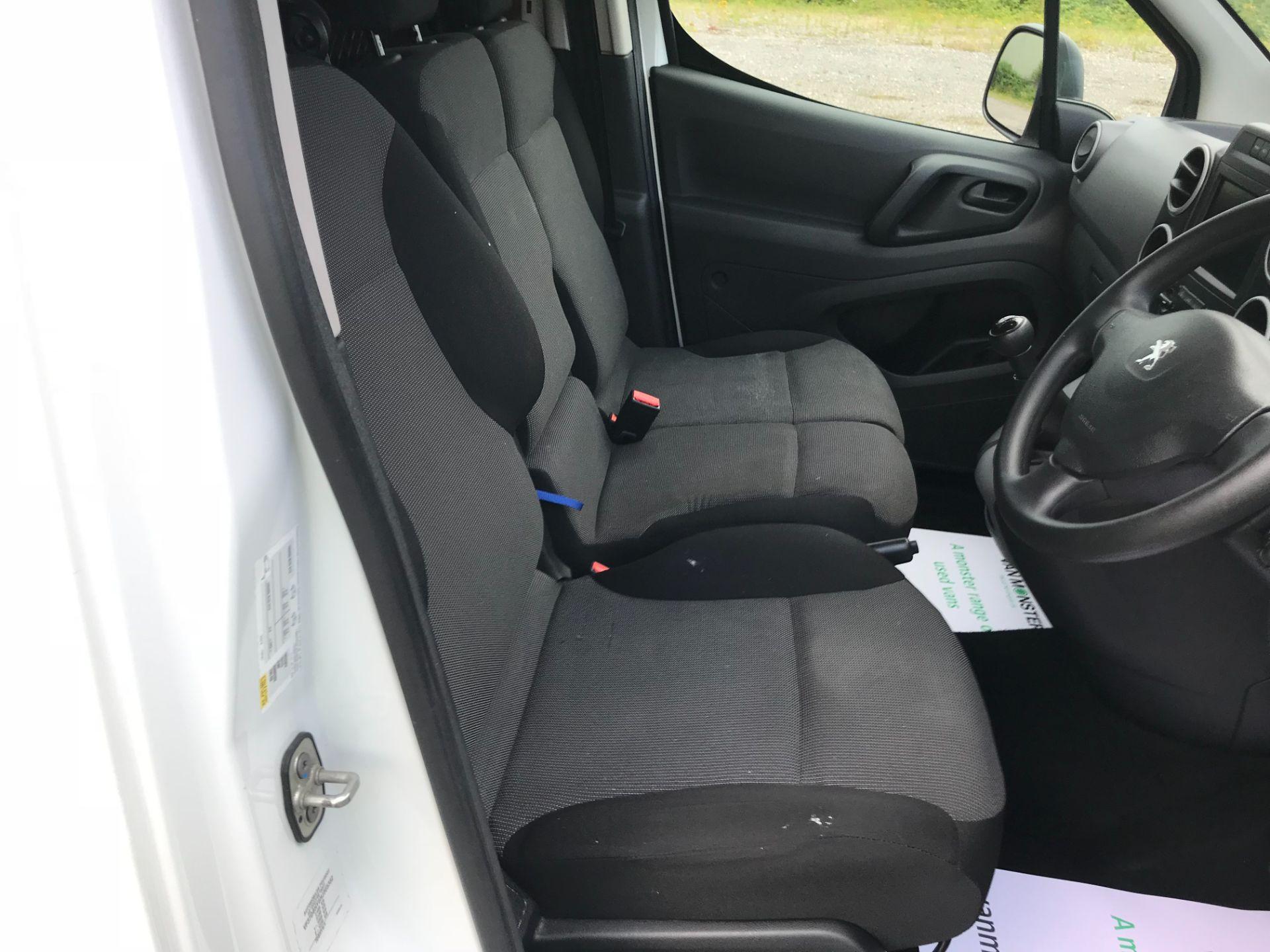 2017 Peugeot Partner 850 1.6 Bluehdi 100 Professional Van [Non Ss] EURO 6 (NV67EUX) Image 21