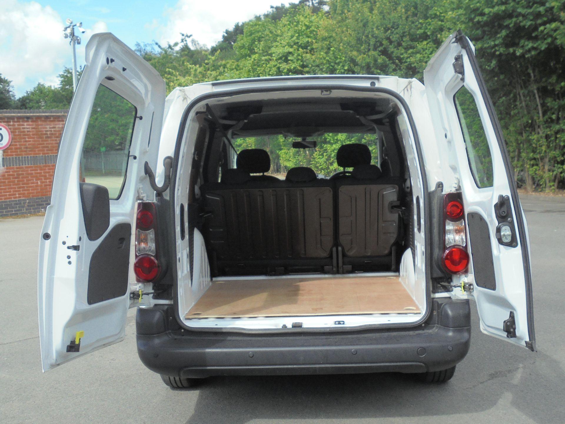 2018 Peugeot Partner 715 S 1.6 Bluehdi 100 Crew Van (NV67HNO) Image 10