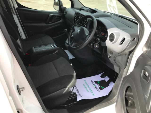 2018 Peugeot Partner 715 S 1.6 Bluehdi 100 Crew Van Euro 6 - Speed Limiter 70mph (NV67HNR) Image 12