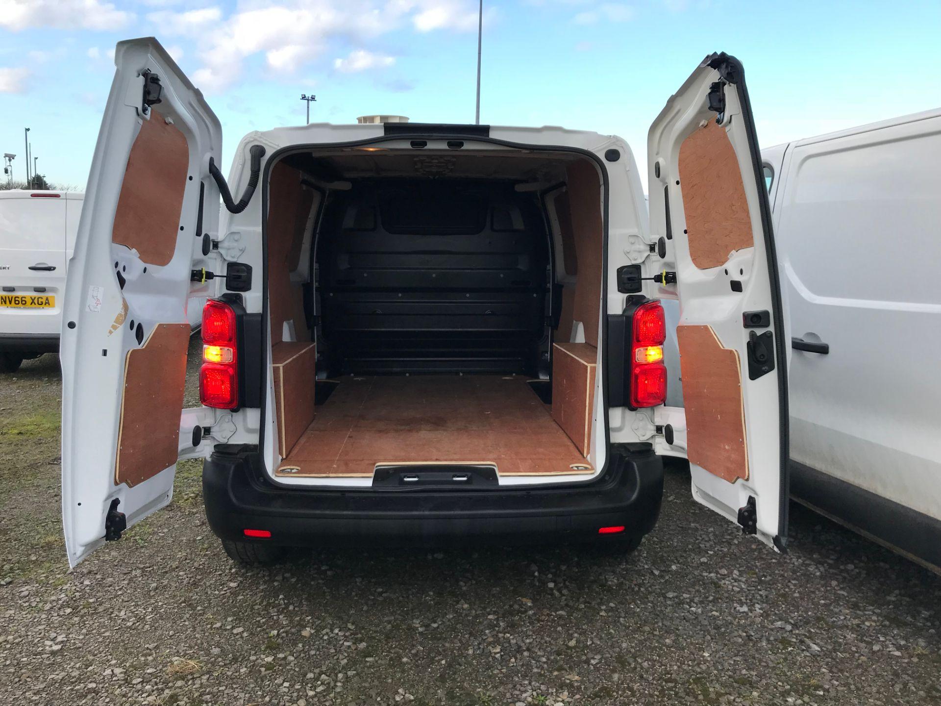 2018 Peugeot Expert 1000 1.6 Bluehdi 95 S Van (NV67HSD) Image 17