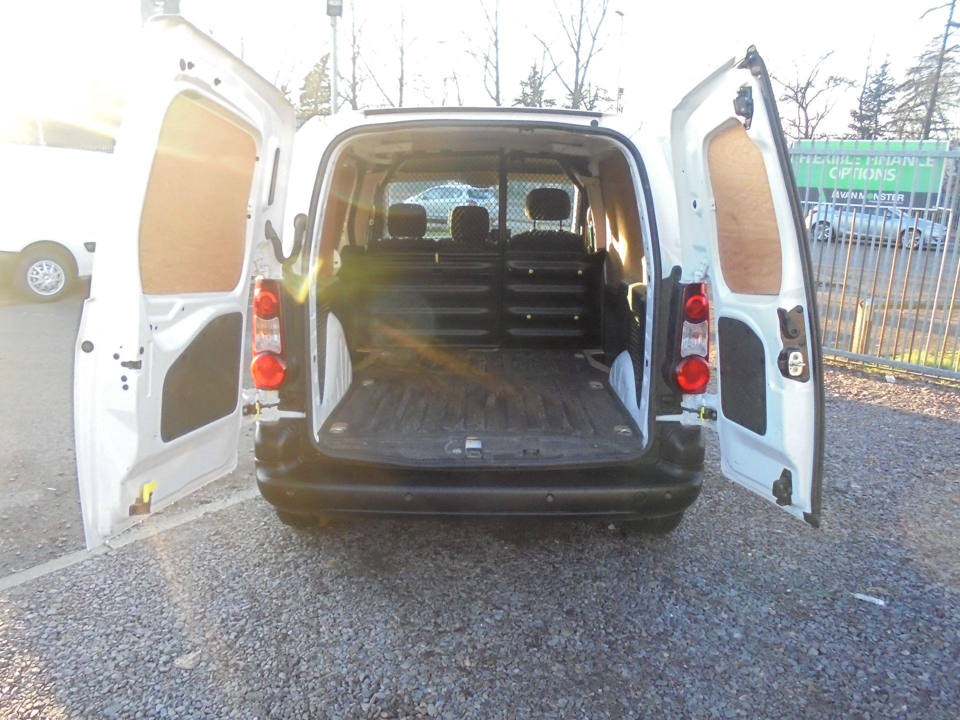2018 Peugeot Partner 850 1.6 Bluehdi 100 Professional Van [Non Ss] (NV67LLT) Image 6