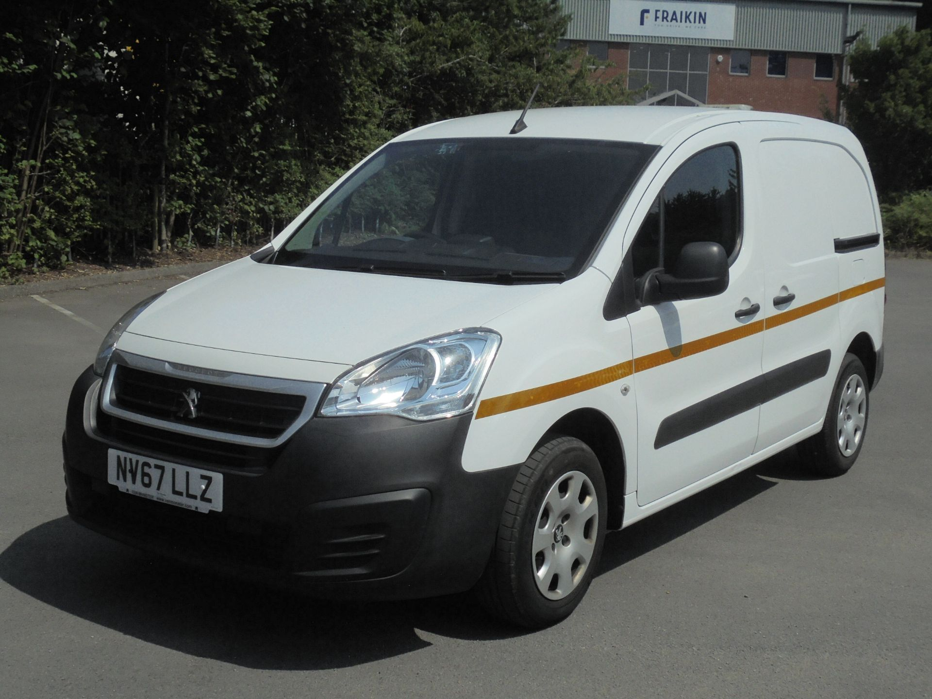 2018 Peugeot Partner 850 1.6 Bluehdi 100 Professional Van [Non Ss] (NV67LLZ) Image 3