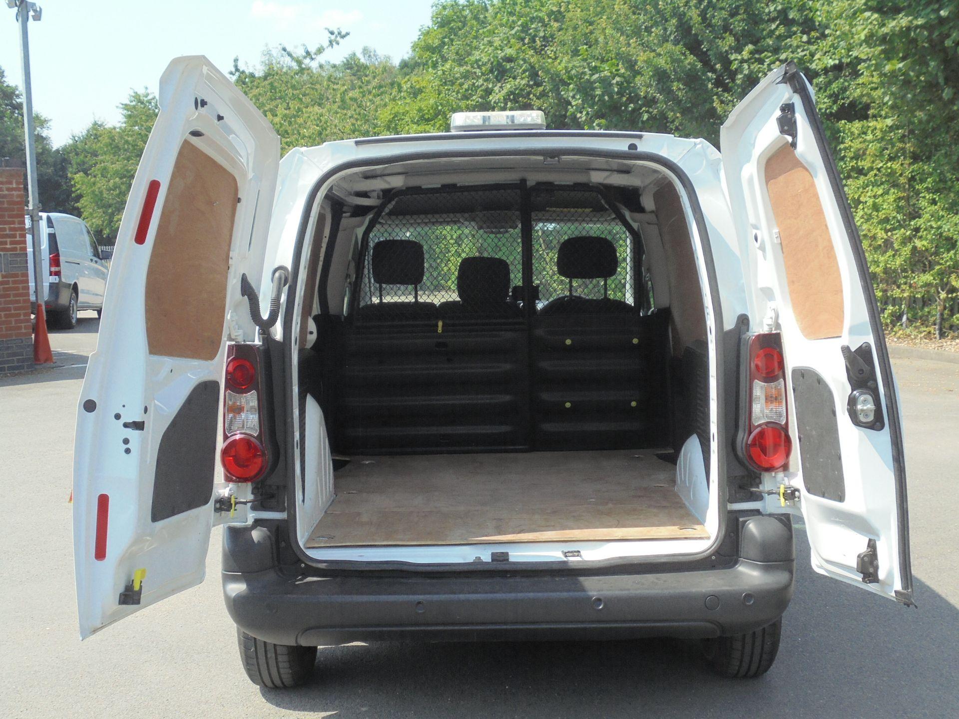 2018 Peugeot Partner 850 1.6 Bluehdi 100 Professional Van [Non Ss] (NV67LLZ) Image 9