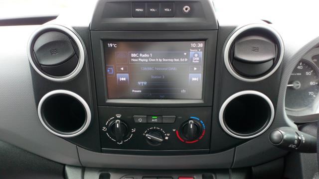 2018 Peugeot Partner 850 1.6 Bluehdi 100 Professional Van [Non Ss] (NV67MGX) Image 16