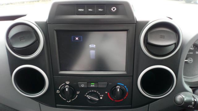 2018 Peugeot Partner 850 1.6 Bluehdi 100 Professional Van [Non Ss] (NV67MGX) Image 17