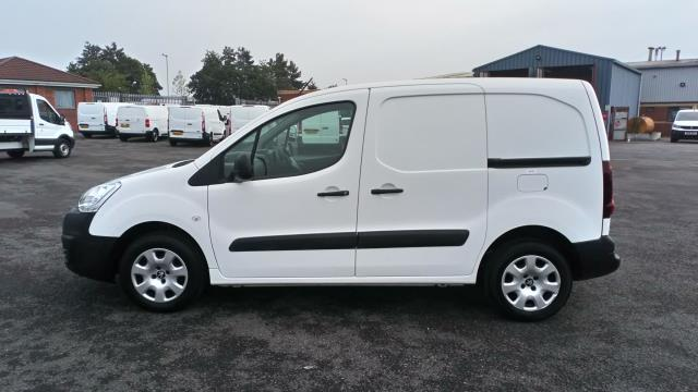 2018 Peugeot Partner 850 1.6 Bluehdi 100 Professional Van [Non Ss] (NV67MGX) Image 4