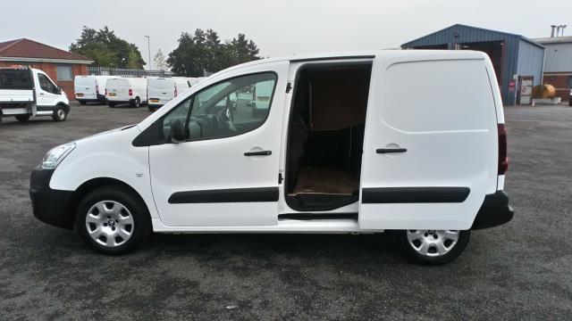 2018 Peugeot Partner 850 1.6 Bluehdi 100 Professional Van [Non Ss] (NV67MGX) Image 9