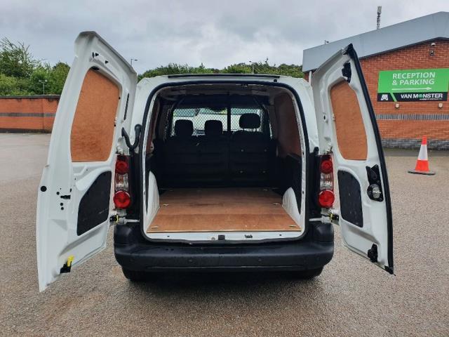 2018 Peugeot Partner 850 1.6 Bluehdi 100 Professional Van [Non Ss] (NV67MHA) Image 10