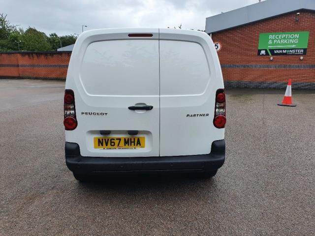2018 Peugeot Partner 850 1.6 Bluehdi 100 Professional Van [Non Ss] (NV67MHA) Image 9
