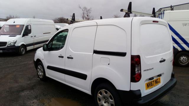 2018 Peugeot Partner 850 1.6 Bluehdi 100 Professional Van [Non Ss] (NV67NGJ) Image 4