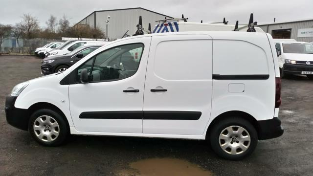 2018 Peugeot Partner 850 1.6 Bluehdi 100 Professional Van [Non Ss] (NV67NGJ) Image 5