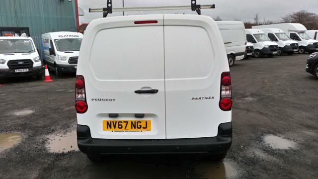 2018 Peugeot Partner 850 1.6 Bluehdi 100 Professional Van [Non Ss] (NV67NGJ) Image 3