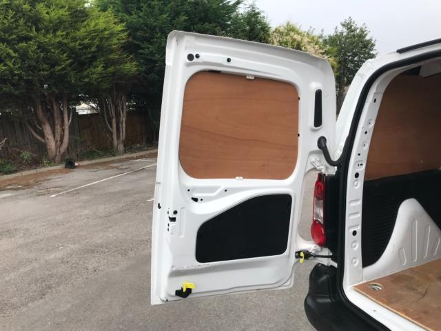2018 Peugeot Partner 850 1.6 Bluehdi 100 Professional Van [Non Ss] Euro 6 (NV67NYF) Image 41