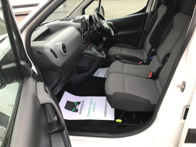 2018 Peugeot Partner 850 1.6 Bluehdi 100 Professional Van [Non Ss] Euro 6 (NV67NYF) Image 17