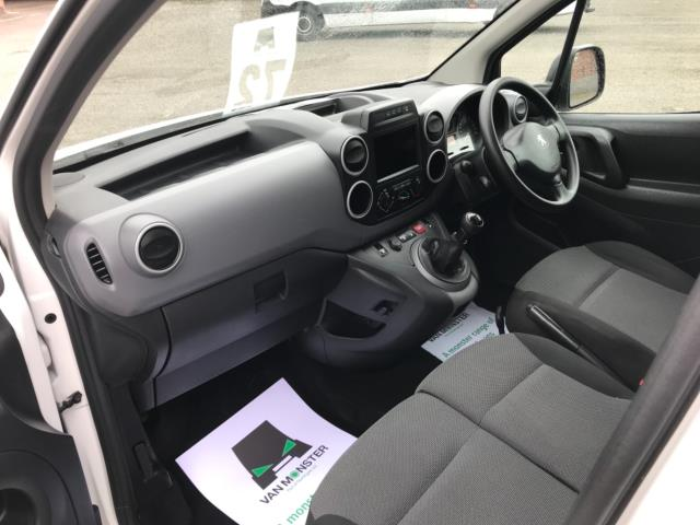 2018 Peugeot Partner 850 1.6 Bluehdi 100 Professional Van [Non Ss] Euro 6 (NV67NYF) Image 16