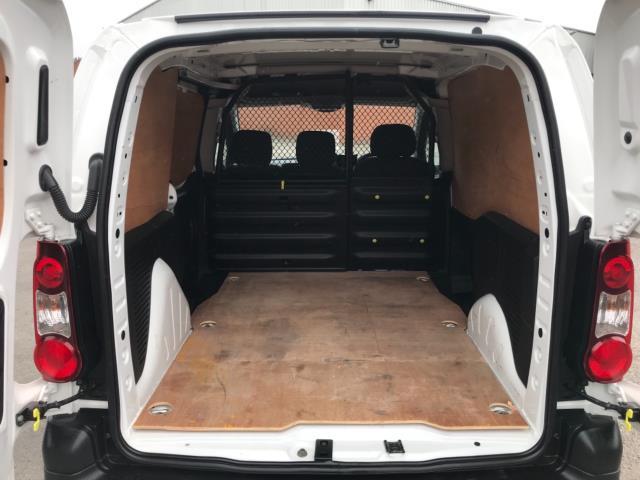 2018 Peugeot Partner 850 1.6 Bluehdi 100 Professional Van [Non Ss] Euro 6 (NV67NYF) Image 37