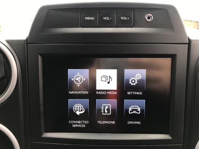 2018 Peugeot Partner 850 1.6 Bluehdi 100 Professional Van [Non Ss] Euro 6 (NV67NYF) Image 27