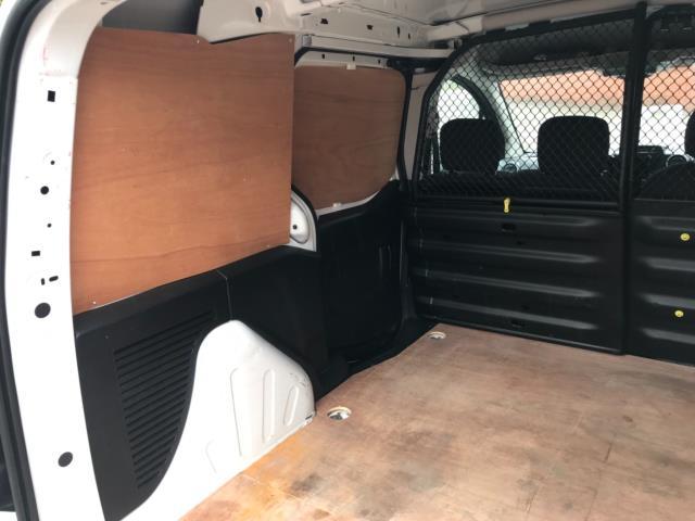 2018 Peugeot Partner 850 1.6 Bluehdi 100 Professional Van [Non Ss] Euro 6 (NV67NYF) Image 39