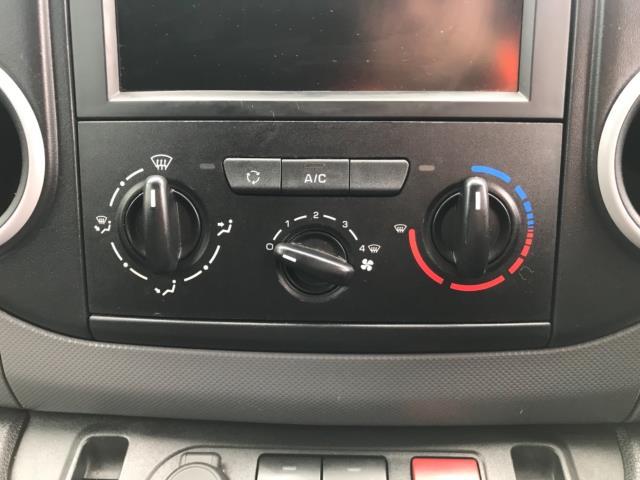 2018 Peugeot Partner 850 1.6 Bluehdi 100 Professional Van [Non Ss] Euro 6 (NV67NYF) Image 29