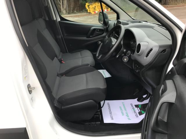 2018 Peugeot Partner 850 1.6 Bluehdi 100 Professional Van [Non Ss] Euro 6 (NV67NYF) Image 12