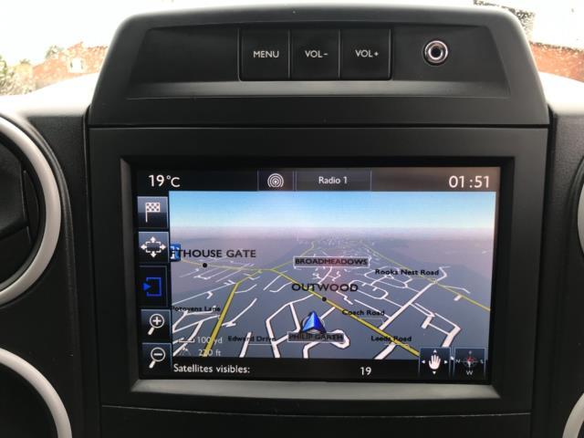 2018 Peugeot Partner 850 1.6 Bluehdi 100 Professional Van [Non Ss] Euro 6 (NV67NYF) Image 28