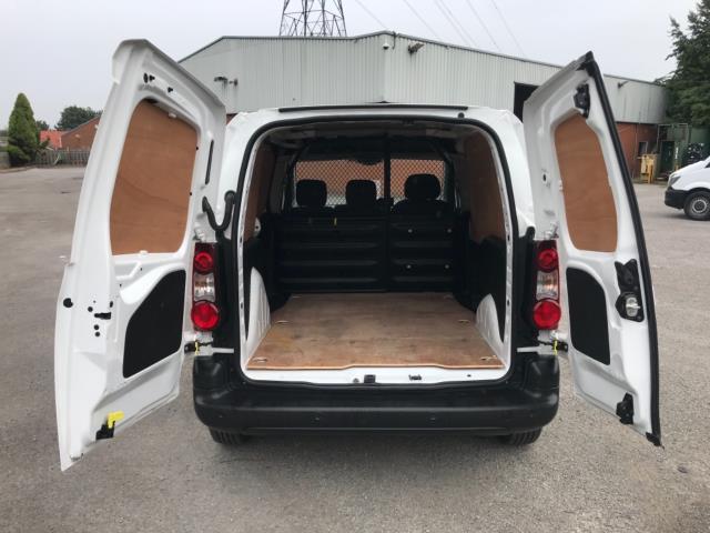 2018 Peugeot Partner 850 1.6 Bluehdi 100 Professional Van [Non Ss] Euro 6 (NV67NYF) Image 36
