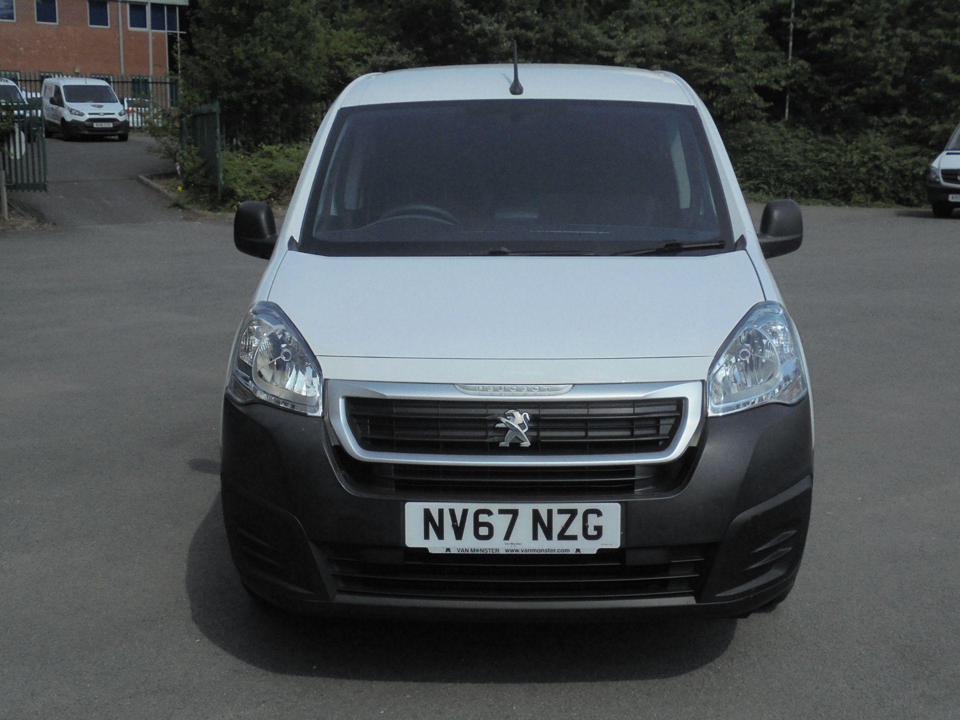 2018 Peugeot Partner 850 1.6 Bluehdi 100 Professional Van [Non Ss] (NV67NZG) Image 2
