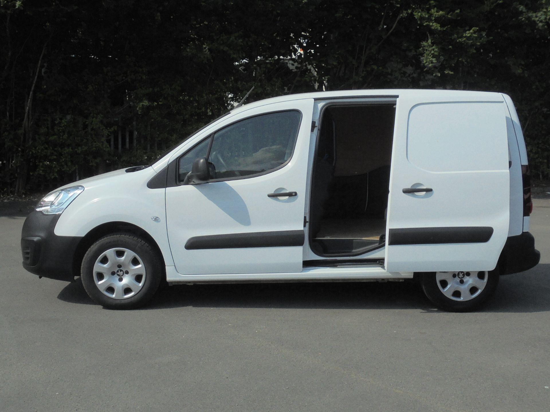 2018 Peugeot Partner 850 1.6 Bluehdi 100 Professional Van [Non Ss] (NV67NZG) Image 6