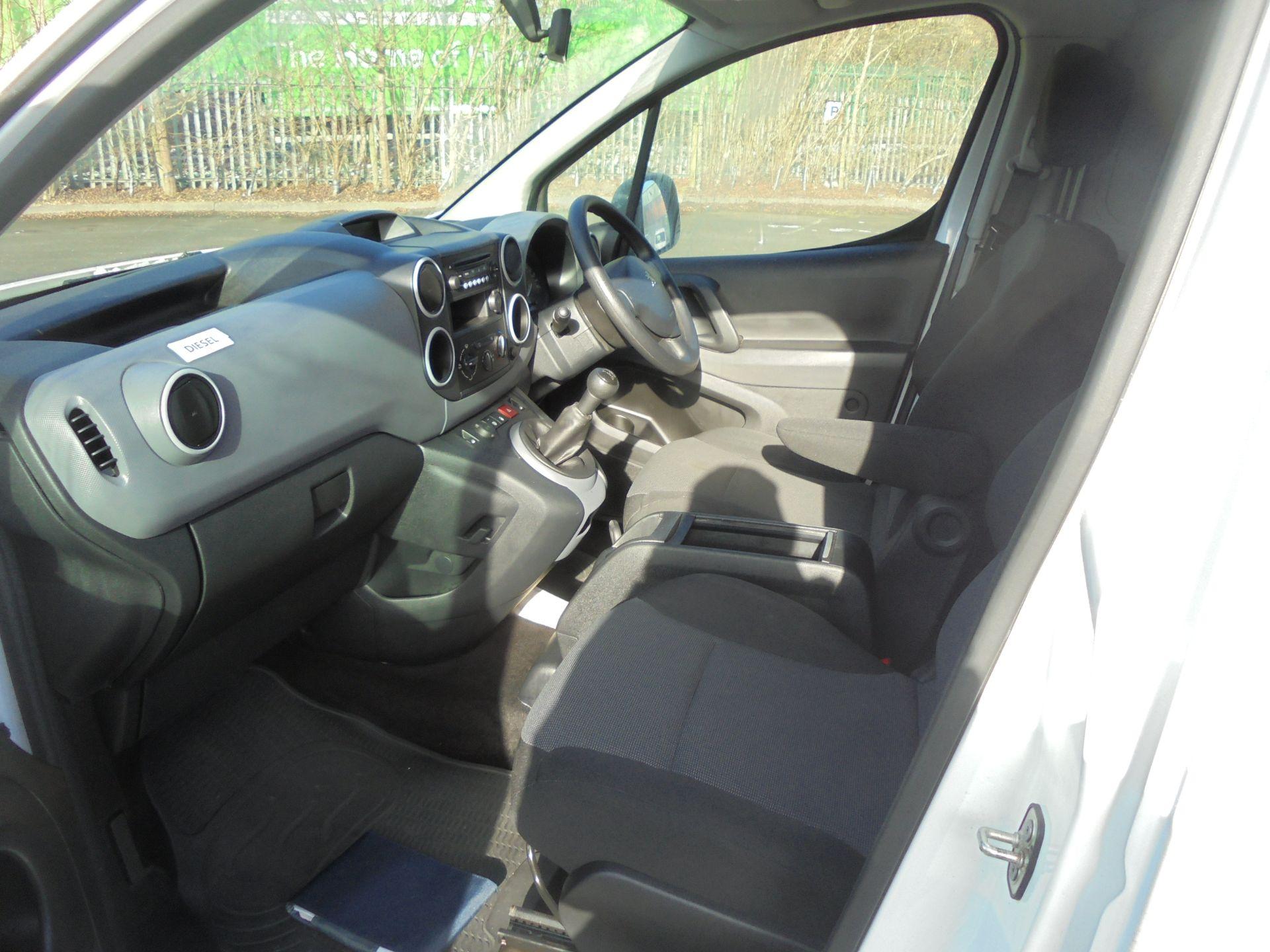 2018 Peugeot Partner 715 S 1.6 Bluehdi 100 Crew Van (NV67OAM) Image 5