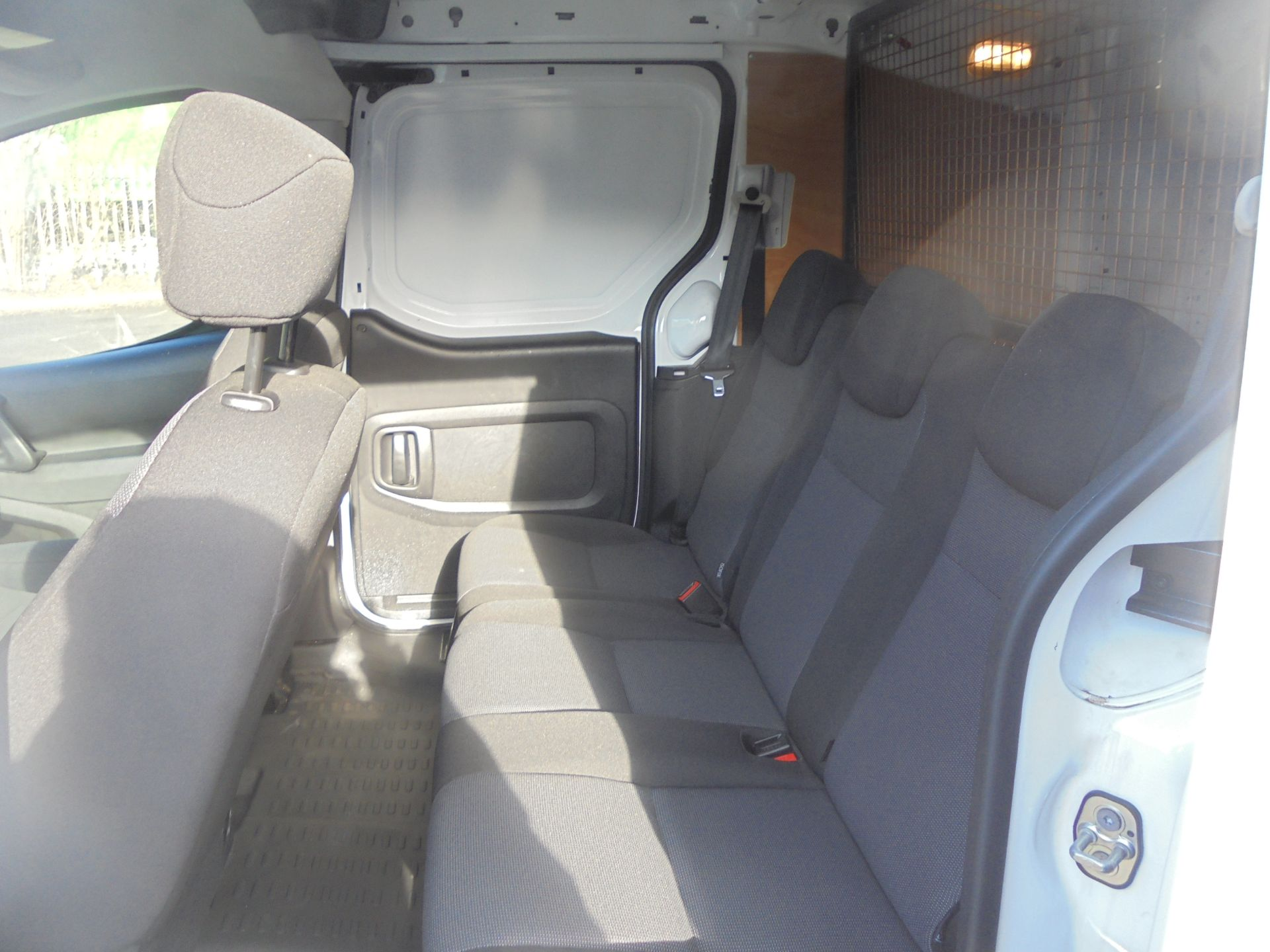 2018 Peugeot Partner 715 S 1.6 Bluehdi 100 Crew Van (NV67OAM) Image 7