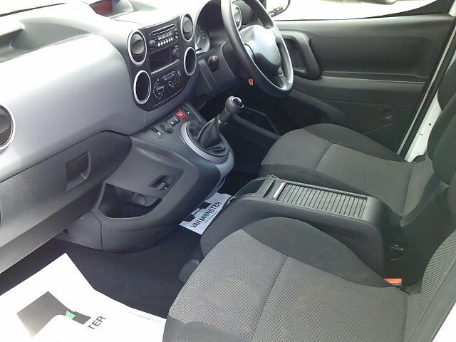 2018 Peugeot Partner 715 S 1.6 Bluehdi 100 L2 Crew Van (NV67OCM) Image 13